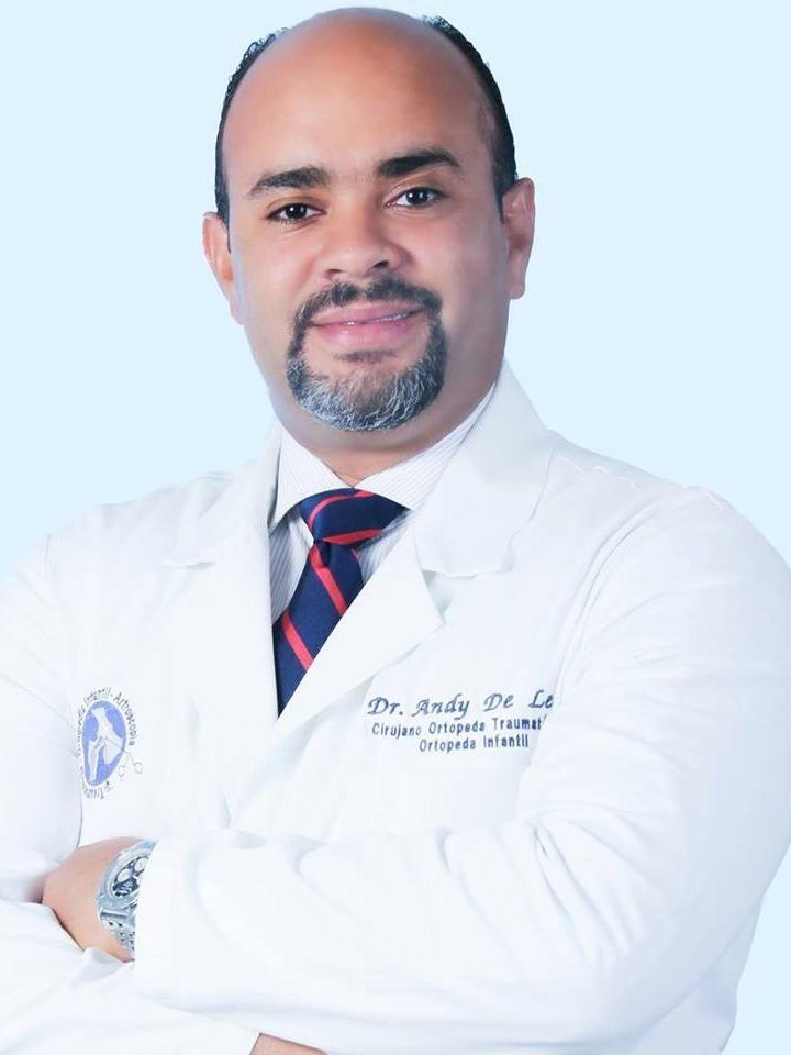 Dr. Andy De León