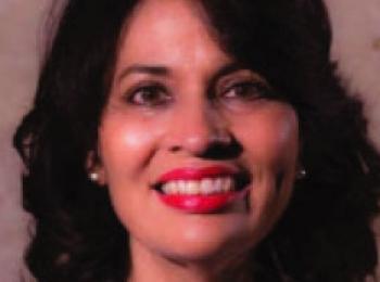 Dra. Elizabeth Vidal Editora Revista SDOT